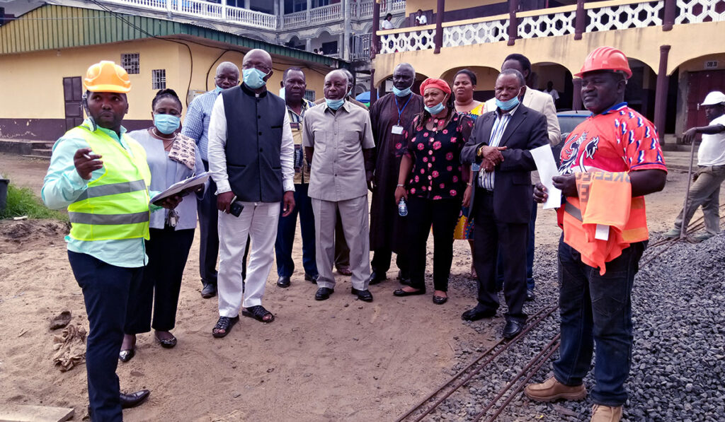Members of BUIB Baord of Trustees visit construction site of new student halls